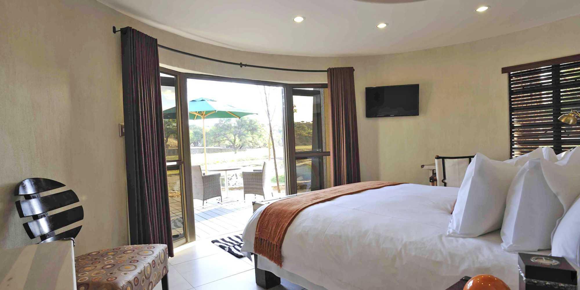 Bedroom interior view patio - Copy-2