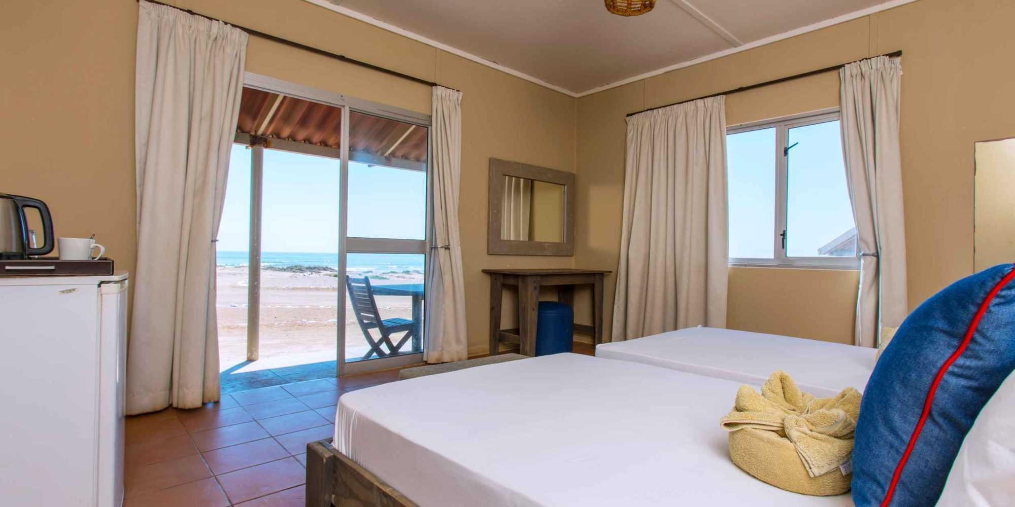 Terrace Bay Double Room 02 © NWR 2018